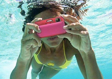 "Top 6 ""Naked"" Waterproof Compact Cameras for the Beach!"