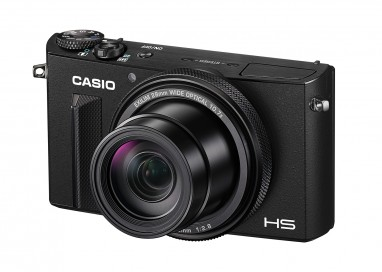 Casio EX-100 – A premium model for enjoying selfies of high production value.