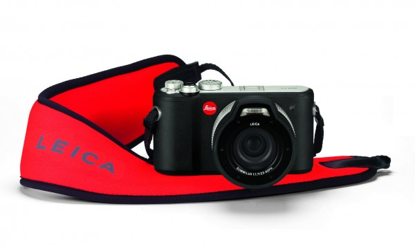 Leica_X-U_floating carrying strap