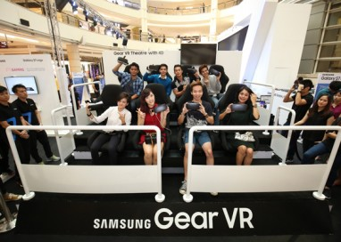 Galaxy Fans take a ride at the Samsung Gear VR 4D Theatre