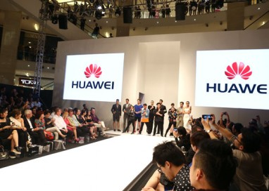 The Huawei Matebook Makes its Debut at Kuala Lumpur Fashion Week Ready-to-Wear 2016