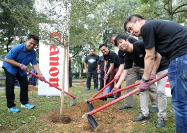 'One Canon One Tree' campaign at Taman Setia Impian