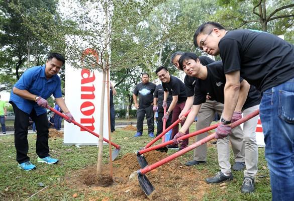 'One Canon One Tree' campaign at Taman Setia Impian