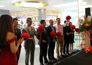 Huawei launches First Regional Flagship Store in Malaysia