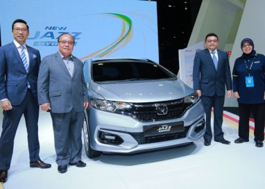New Honda Jazz Petrol opens for booking with New Sport Hybrid i-DCD Variant introduced
