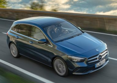 Mercedes-Benz expands its compact car family with two new model variants.