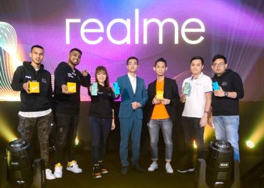 A Lifestyle Combo for Aesthetic and Music Lovers with realme Buds Air and realme 5i