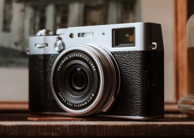 Fujifilm launches FUJIFILM X100V
