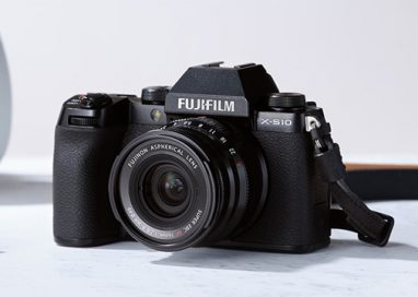 "Fujifilm launches mirrorless digital camera ""FUJIFILM X-S10"""