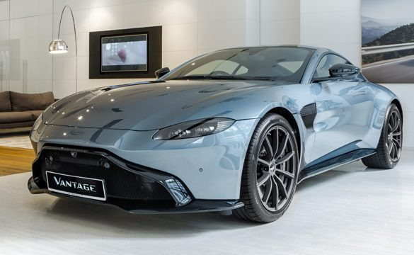 Aston Martin KL presents the Aston Martin Vantage Dark Knight Edition